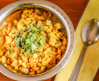 Lauki Chana Dal Sabzi (Bottle Gourd Chickpea Curry)