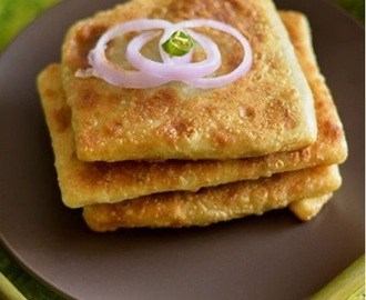 Mughlai paratha / minced meat stuffed paratha from Kolkata