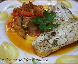 Filete de abadejo con guarnición de verduras