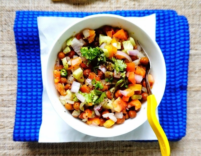 How to make Black Chickpeas Salad
