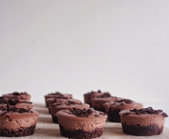 Mini cheesecakes de chocolate/ Mini chocolate cheesecakes