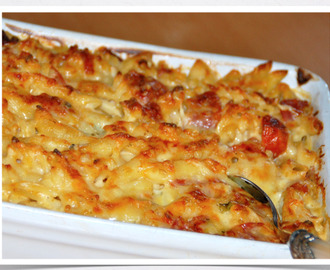Macaroni with salami and chilli / Macarrão no forno com salame e malagueta!