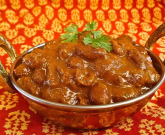 Rasedar Rajma (Curried Pinto or Kidney Beans)