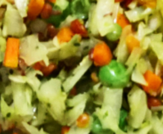 Cabbage, Carrot and Peas Poriyal Curry Recipe (गोबी मटर और गाजर पोरीयाल)
