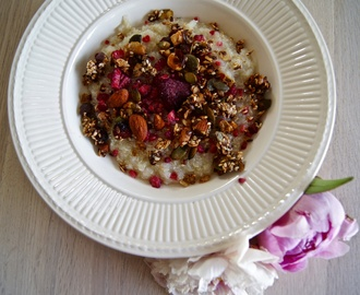 Quinoa porridge with homemade granola