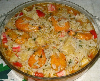 ARROZ DE BACALHAU COM GAMBAS E DELICIAS DO MAR