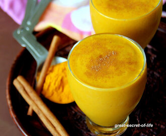 Turmeric smoothie - Healthy breakfast smoothie