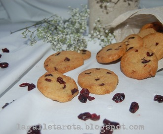 Cookies de chocolate blanco y arándanos