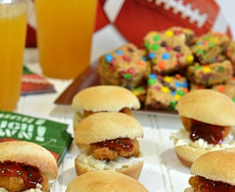 Game Day Chicken Nugget Sliders
