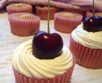 Morell cupcakes / Cherry cupcakes