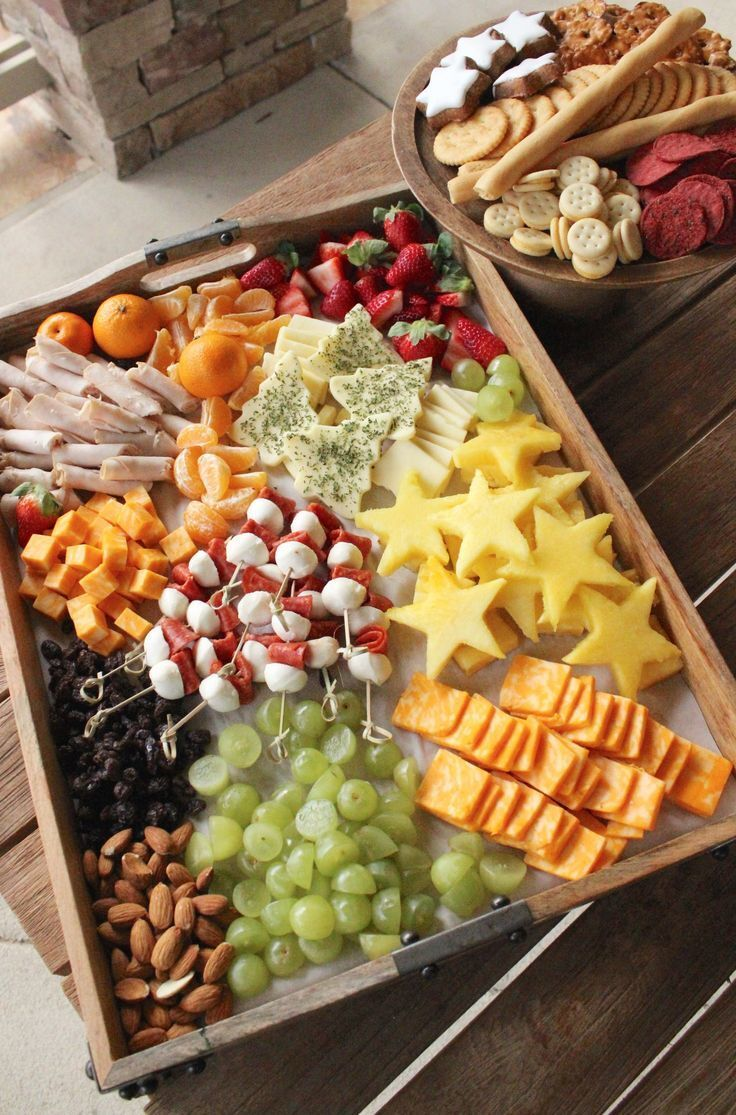 Holiday Cheese Platter for Kids | Plockmat | Pinterest | Appetizers, Cheese platters and Christmas Appetizers