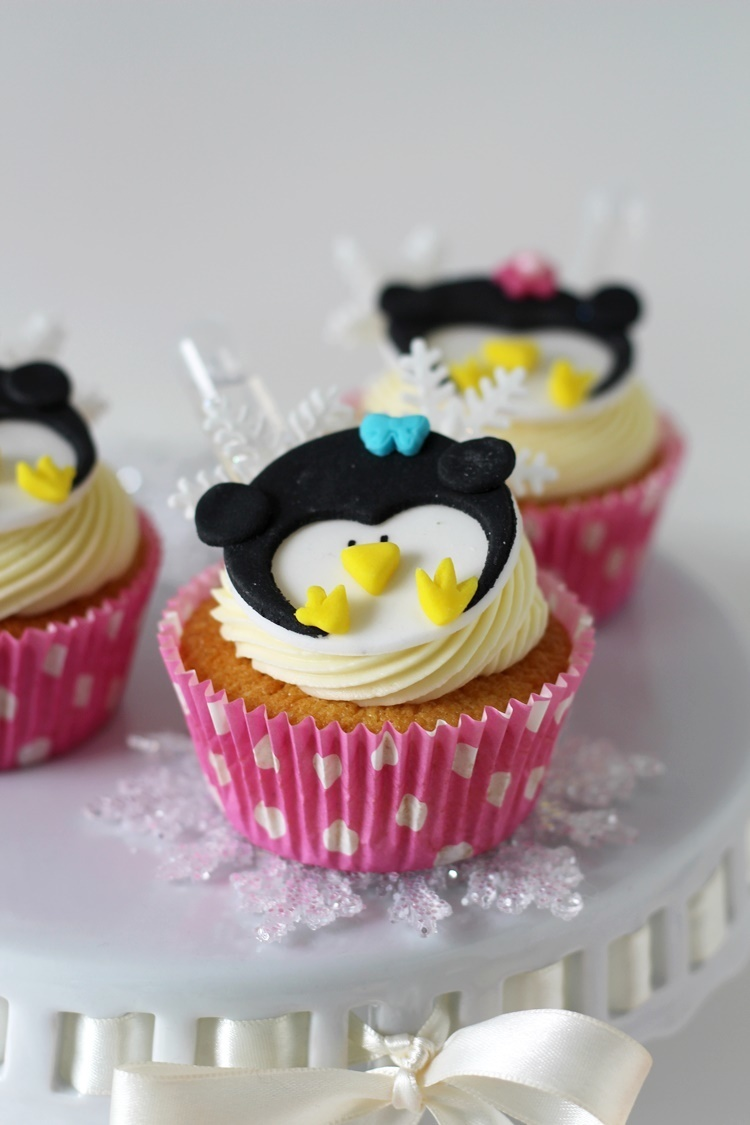 Infused Cupcakes mit Fondant-Pinguintopper