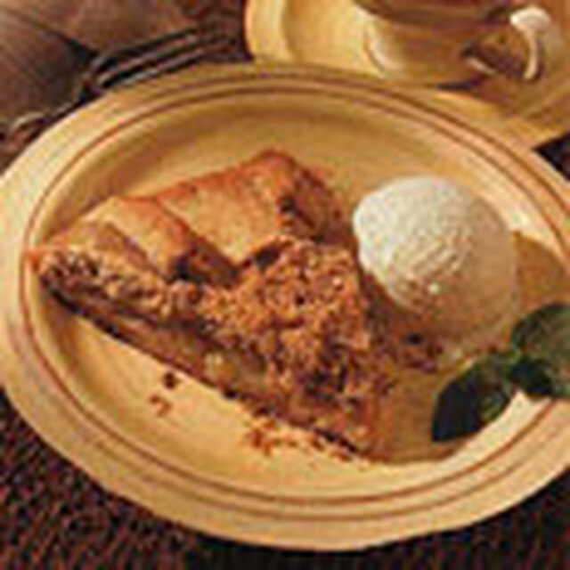 Pear Croustade with Hazelnut-Brown Sugar Topping