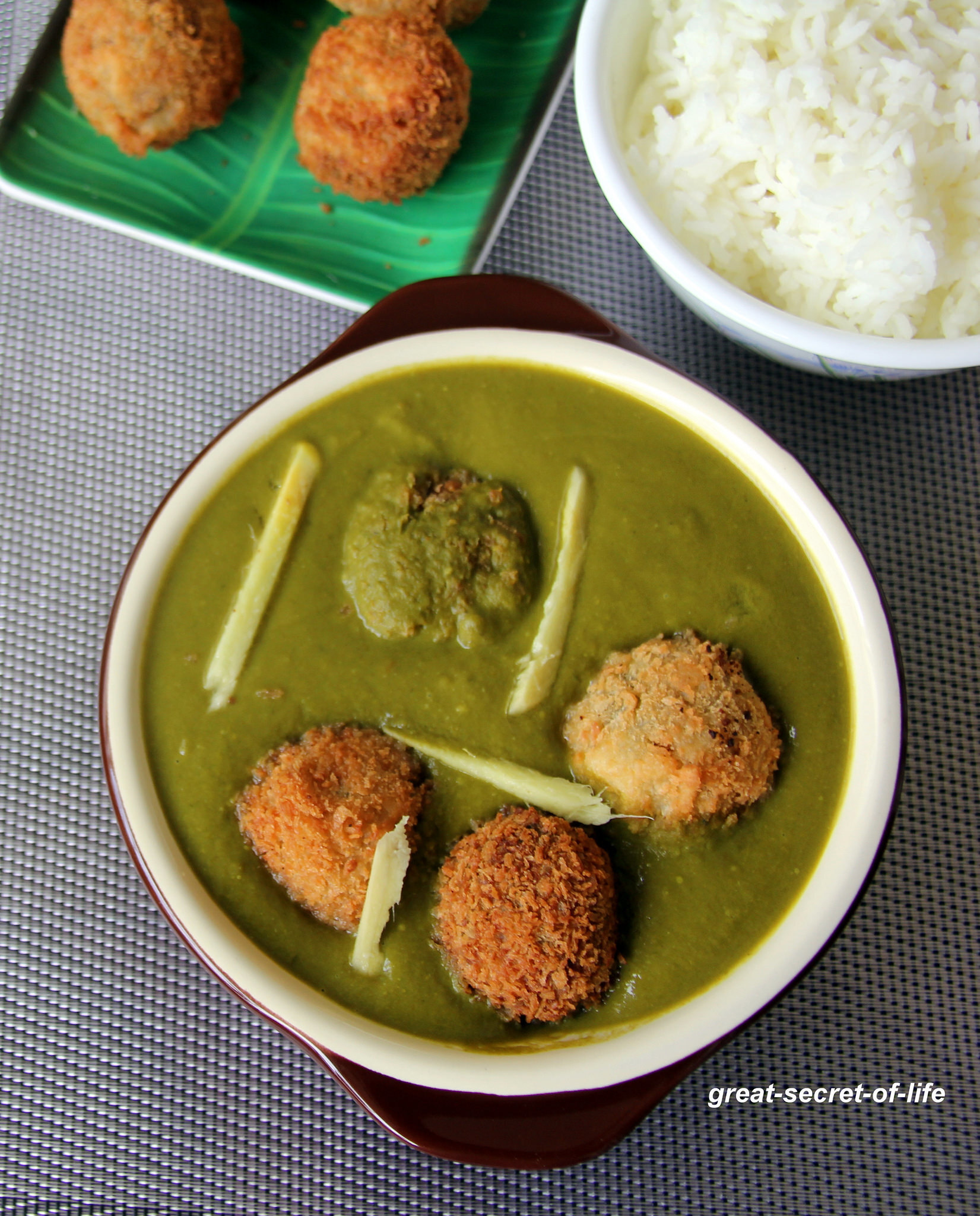 vegetable kofta in Palak gravy - Side dish for Fried rice or Roti