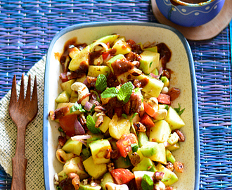 Green mango and apple salad / kairi chaat