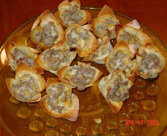 Sausage and Cheese Wontons