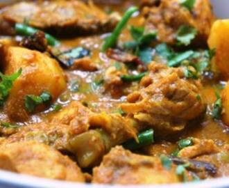 Bengali Murgir Jhol (Bengali Chicken Curry)