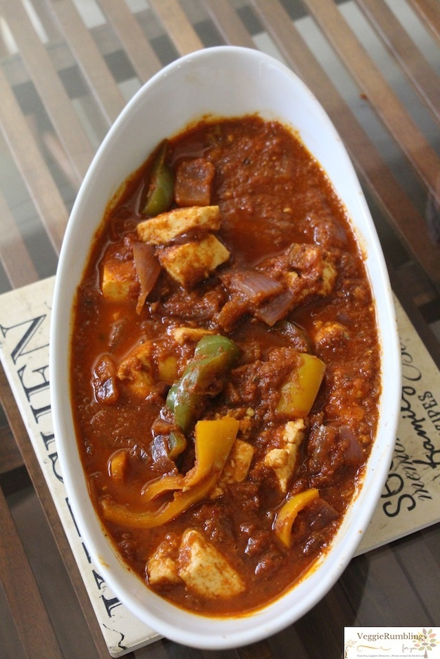 Kadai Paneer – Indian cottage cheese in tangy, spicy tomato gravy
