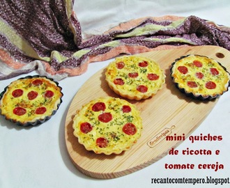 Mini quiches de ricotta e tomate cereja