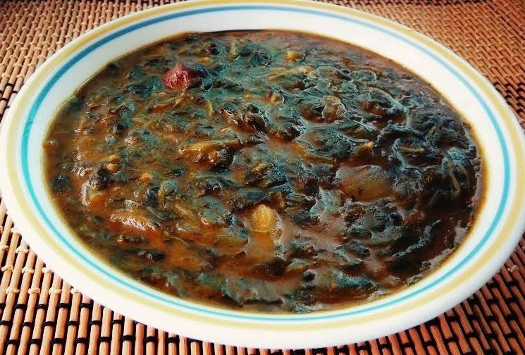 Keerai Puli Curry / Spinach and Shallots Tangy Gravy