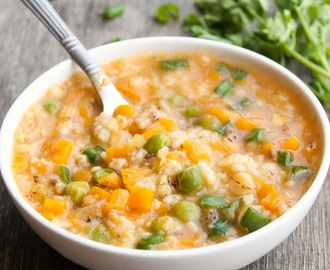 Healthy Oats Porridge with Carrots and Green Peas