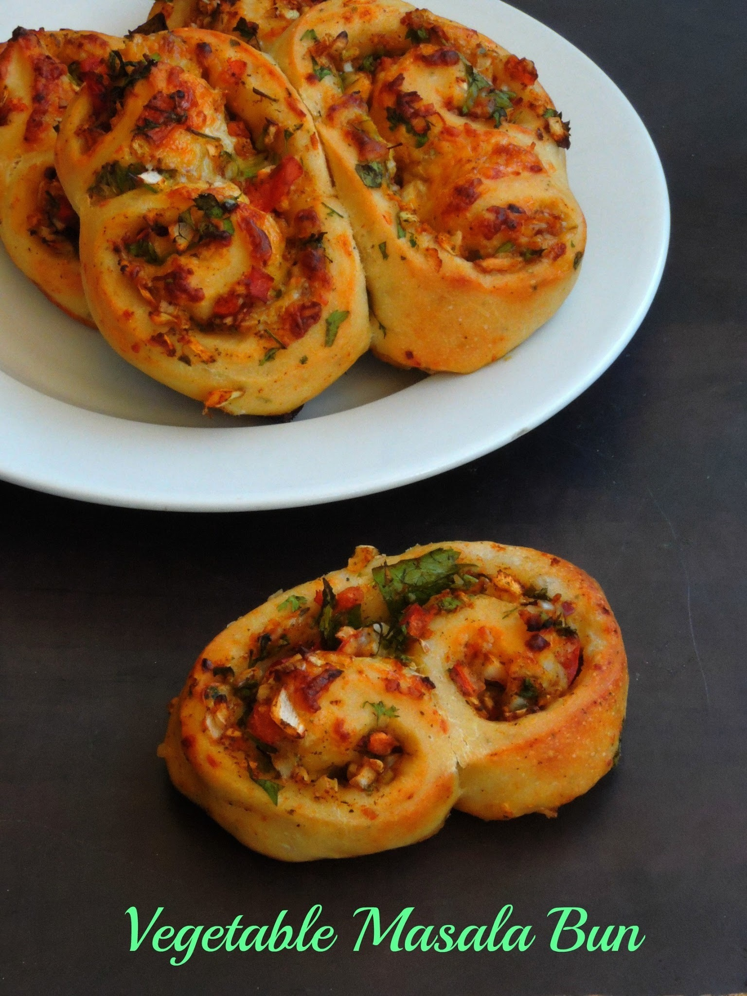 Vegetable Masala Buns/Raw Vegetable Stuffed Pizza Buns