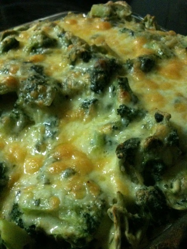 Baked Cheese Ravioli with Broccoli and Spinach