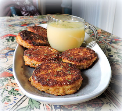 Lemon Sauced Salmon Cakes