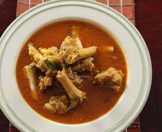 Paya saag /Mutton trotters and brain curry/Aattukal curry