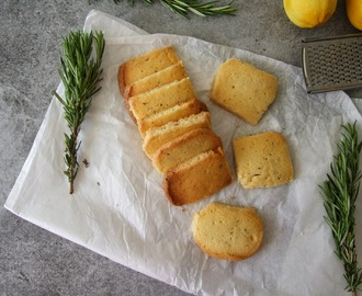 Bolachas de manteiga, limão e alecrim / Lemon and rosemary butter cookies