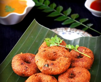 INSTANT BREAD VADA / INSTANT MEDU VADA - LEFTOVER BREAD RECIPES