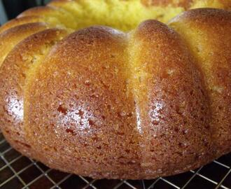 Lemon-Lover's Pop Cake