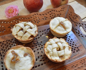 Mini Apple Pie | Eggless Apple pie