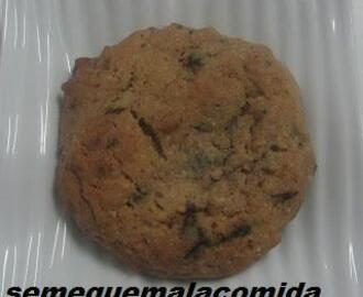 GALLETAS CON CHISPAS DE CHOCOLATE Y NUECES