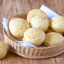 Easy Brazilian Cheese Bread Recipe (Pão de Queijo)