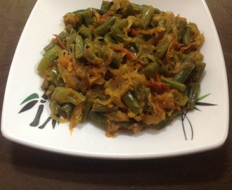GREEN BEANS WITH TOMATO AND ONION