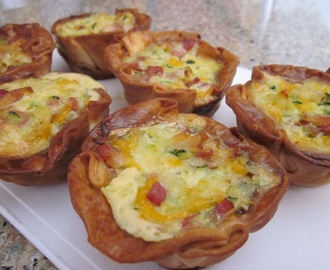 Mini-quiches de calabacín, cebolla y bacon