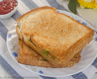 Chutney & Cheese Sandwich/Green Sandwich