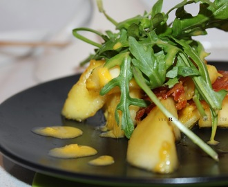 Presunto e Maçã caramelizados com Rúcula | Caramelized Prosciutto and  Apple with Ruccola