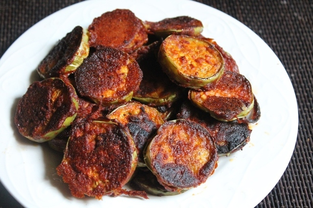 Long Green Brinjal Tawa Fry Recipe