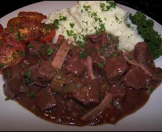 Slow Cooked Beef in Red Wine