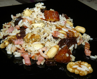 Arroz con bacon y frutos secos
