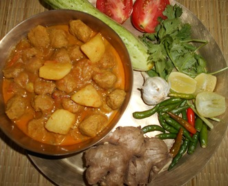 Soya Chunks And Potato Curry