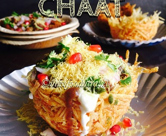 ALOO TOKRI CHAAT - HIT BY A MAMMOTH BOMB OF FLAVOURS