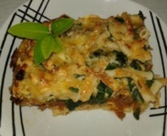 MINCE, SPINACH AND PASTA BAKE