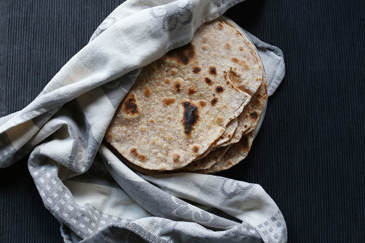 Simple flour tortillas - 4 ingredients