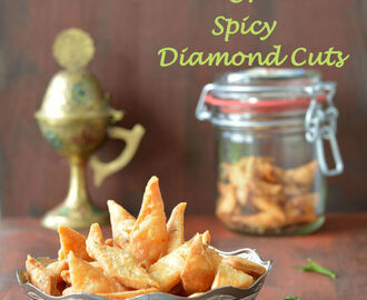 Spicy shankarpali or Spicy Diamond Cuts