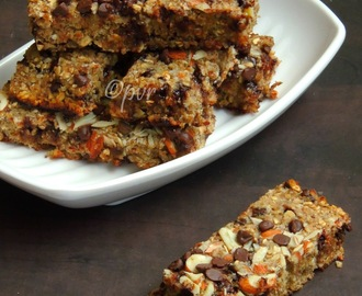 Vegan Banana Oats Bars with Chocolate Chips