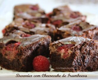 BROWNIES COM CHEESECAKE DE FRAMBOESA