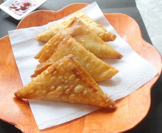 Onion Samosa | Triangle samosa | Easy snack Recipe